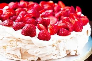 cake-pavlova